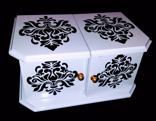 DIE BOX, WHITE W/BLACK SCREE PRINT